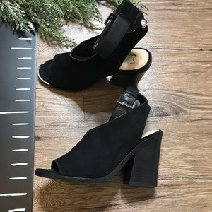 Marc Fisher Vidal Ankle Strap Sandal Block Heel